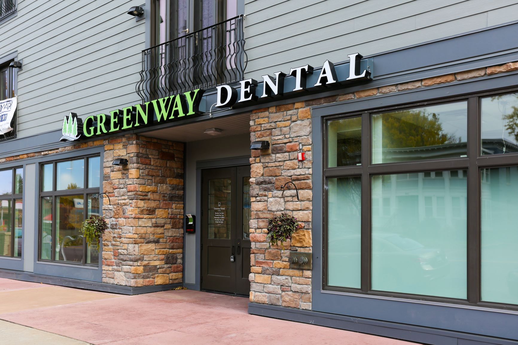 GreenwayDental-Auromira-01